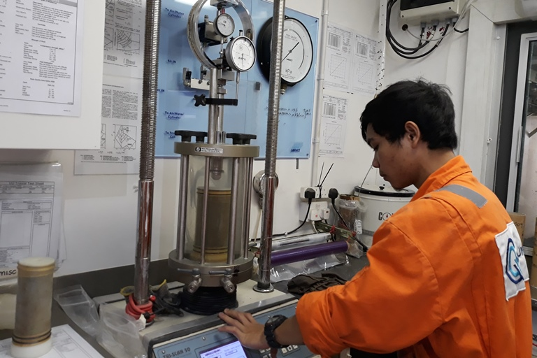 Operator testing in Offshore Laboratory