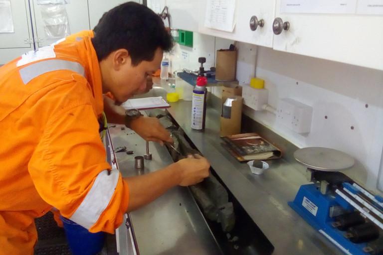 Geoquip Marine Dina Polaris Offshore Laboratory